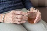 Nowy objaw COVID-19 u osób starszych! Bywa jedynym symptomem pojawiającym się w przebiegu zakażenia koronawirusem