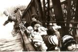 Tak mieszkańcy Krosna Odrzańskiego obchodzili pierwszy dzień wiosny dawniej. Zobaczcie na starych zdjęciach Stanisława Straszkiewicza