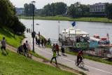 Czy podczas jazdy na rowerze lub biegania maseczki są obowiązkowe? Minister zdrowia odpowiada