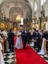 """Ach co to był za ślub! Trener Polonii powiedział """"tak"""" w sanktuarium ZDJĘCIA"""
