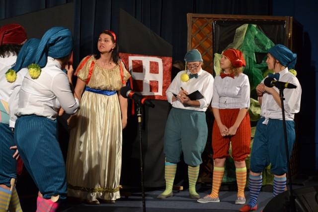 """Teatr Prawie Wielki wystawił ,,Królewnę Śnieżkę"""" dla Otylki"""