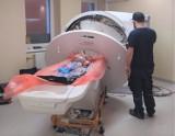 Do Szpitala Powiatowego w Oświęcimiu dotarł nowy tomograf komputerowy. Trwa montaż nowoczesnego urządzenia wartego ok. 3,5 mln zł [ZDJĘCIA]