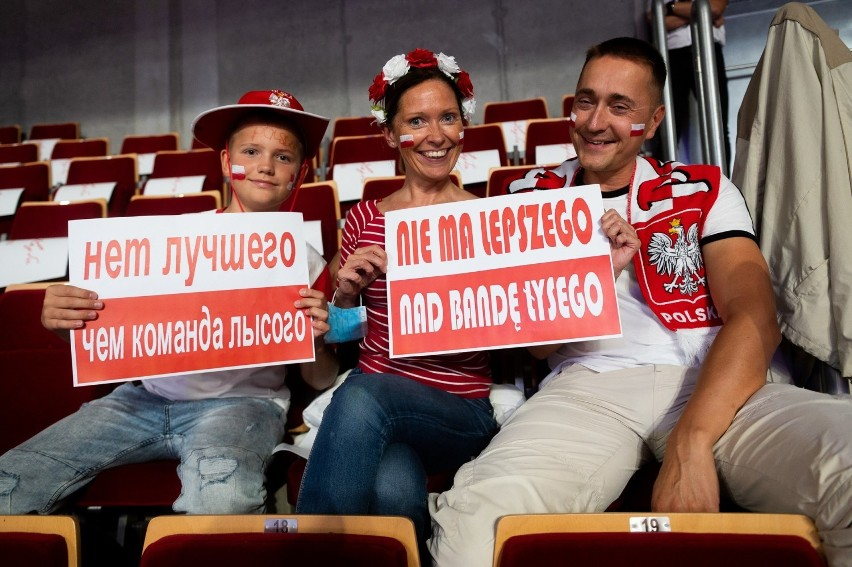 Kibice na meczu siatkarskim Polska - Rosja