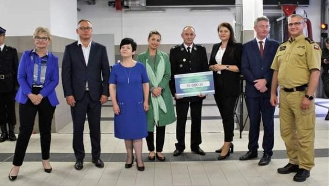 OSP Aleksandrów Kujawski odebrała voucher na 15 tys. złotych