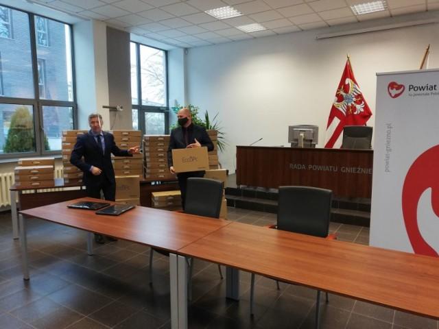 Powiat Gniezno. 96 laptopów trafiło do uczniów naszych szkół