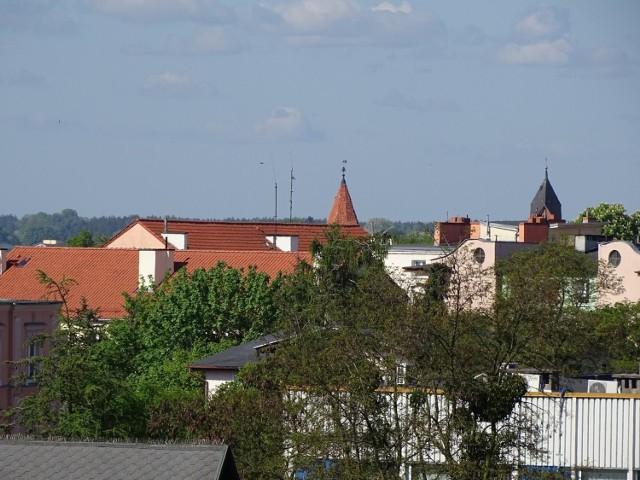 Z najwyższych obiektów w Chełmnie - zabytków, a nawet z okien i balkonów naszych Czytelników, zrobiliśmy zdjęcia, dzięki którym możemy zobaczyć miasto i okolice z innej perspektywy niż ta podczas spaceru. Zobaczcie Miasto Zakochanych z najwyższych obiektów w różnych częściach naszej małej ojczyzny.