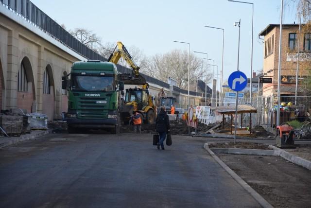 Przebudowa ul. Spichrzowej podzielona jest na trzy etapy. Teraz trwają prace na pierwszym z nich.