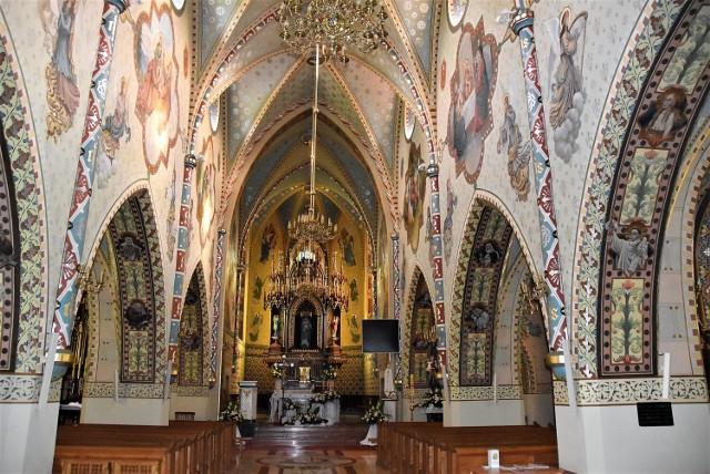 Oryginalne polichromie w  kościele w Lubczy przez pół wieku były zamalowane. Konserwatorom udało się przywrócić ich pierwotny wygląd
