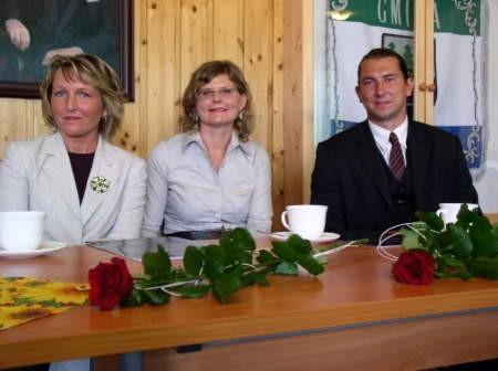 Nauczyciele mianowani (od lewej): Cecylia Bucholc, Lucyna Sijka i Łukasz Łangowski.