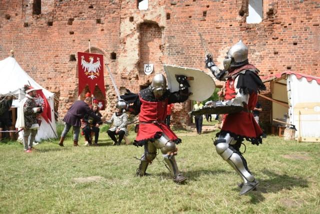 Impreza historyczna na Zamku Dybów [ZDJĘCIA]  Zobacz także: Rowerowa masa krytyczna [ZDJĘCIA]