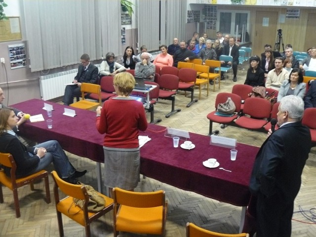 """Spotkanie pod hasłem """"Demaskujemy mity o gazie łupkowym"""" we Frampolu"""