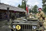 Rekonstruktorzy Armii Brytyjskiej w Faktorii w Pruszczu. Przybliżają historię, pokazują sprzęt |ZDJĘCIA