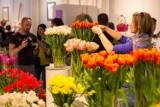 Wielka wystawa tulipanów w Warszawie. Idealny punkt do wiosennego selfie! [ZA DARMO]