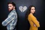 10 oznak rozpadu związku. Kiedy poznać, że relacja między mężczyzną a kobietą zbliża się ku końcowi?
