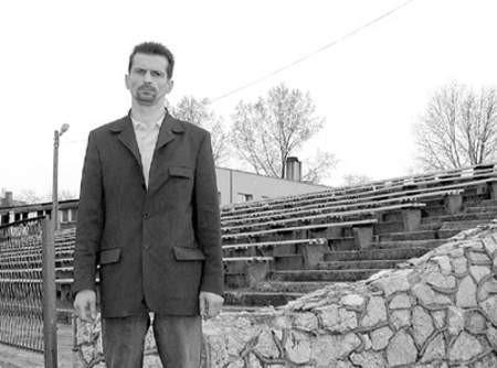 Dariusz Zaczkowski ma nadzieję na przejęcie stadionu i uratowanie go od zapomnienia.