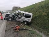 Dramatyczny wypadek na autostradzie A4 pod Wrocławiem. Zderzyły się ciężarówka i bus (ZOBACZ ZDJĘCIA)