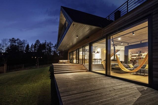 Małopolska Chata Podcieniowa to dom designerski, ale jednocześnie trwały i ponadczasowy, bo zakorzeniony w tradycji.