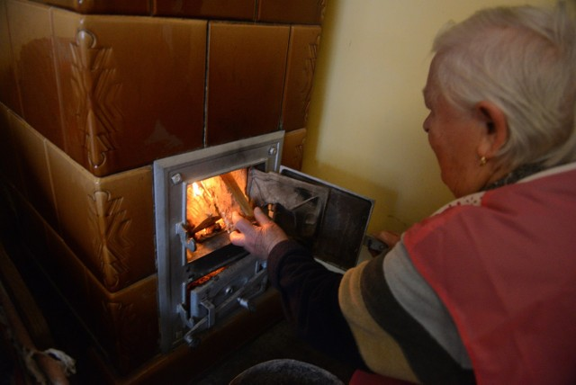 """W wielu domach znajdują się przestarzałe piece i kotły. Dzięki programowi """"Czyste Powietrze"""" możemy uzyskać realne wsparcie finansowe dla inwestycji w bardziej efektywne źródła ciepła"""