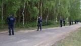 Policjanci z Sieradza i Warty, a także strażacy z okolicznych OSP poszukiwali 71-letniego grzybiarza