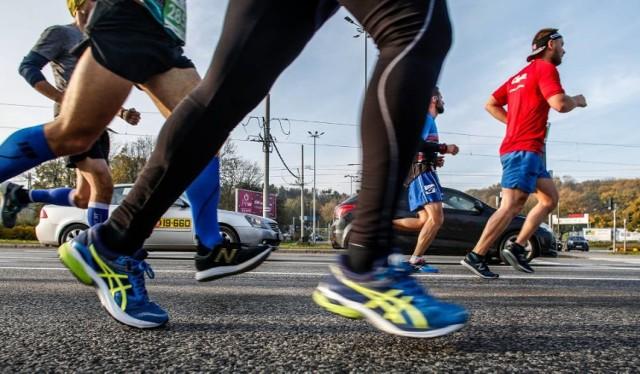 Sezon wiosenno-letni to idealny okres na rozpoczęcie przygody z bieganiem. Spróbujecie?