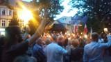 Sobotnia demonstracja przed żywieckim sądem z preambułą Konstytucji RP  [ZDJĘCIA]