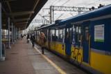 Dwie osoby potrącone przez pociągi na torach SKM. Wypadki w niedzielę, 2.05.2021 r. Były opóźnienia w ruchu pociągów