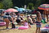 """Tłumy na """"Słoneczku"""" w Piotrkowie. Kończy się sezon na miejskim kąpielisku [ZDJĘCIA, WIDEO]"""
