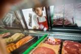 Koronawirus w produktach chłodzonych i mrożonych aktywny nawet przez 21 dni! Eksperci ostrzegają przed kupnem mięsa, ryb i owoców morza