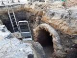 Chełm. Archeolodzy odkopali tunel łączący sanktuarium z budynkami klasztoru