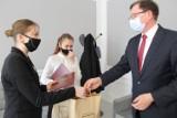 Kruszwica - Gdy do Gopła wpadł mężczyzna, one zareagowały. Dwie nastolatki nagrodzone za swoją postawę. Zobaczcie zdjęcia