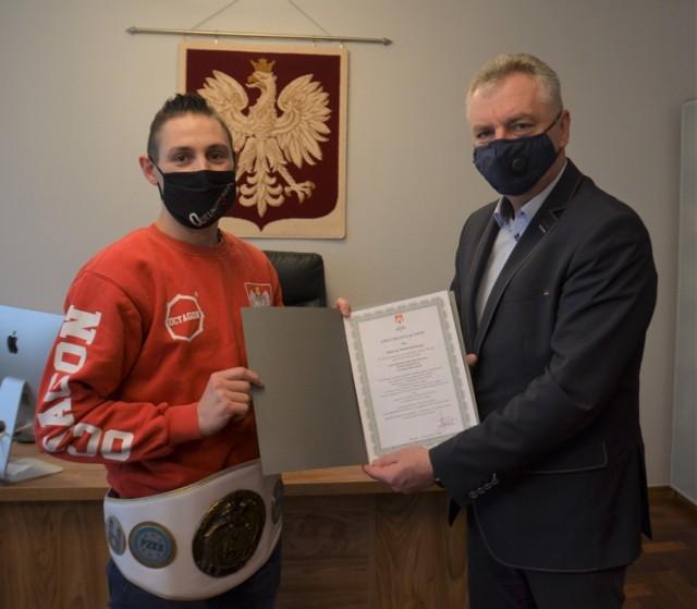 Mistrz Polski ze Stoku Polskiego nagrodzony przez burmistrza