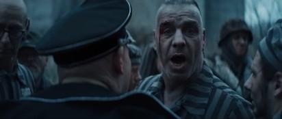 """Teledysk do utworu """"Deutschland"""" zespołu Rammstein budzi kontrowersje. W klipie wystąpili Wielkopolanie"""