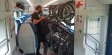 W pociągu Mazury z Łodzi i w innych Flirtach będzie szerzej między rowerami a fotelami. Upór pasażera, którego żona uderzyła się w głowę...