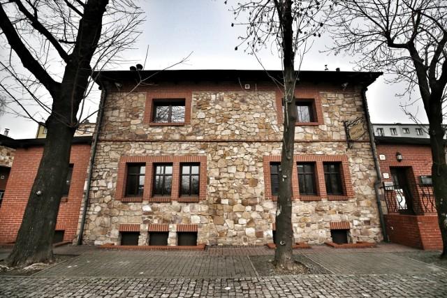 Kolonia robotnicza Ficinus w Rudzie Śląskiej to jedno z najciekawszych osiedli w regionie. Zobaczcie, czy Was również urzeknie  Zobacz kolejne zdjęcia. Przesuwaj zdjęcia w prawo - naciśnij strzałkę lub przycisk NASTĘPNE