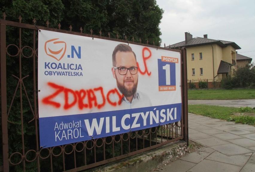 Wojna W Nocy W Kielcach Niszczono Plakaty Wyborcze Zdjęcia