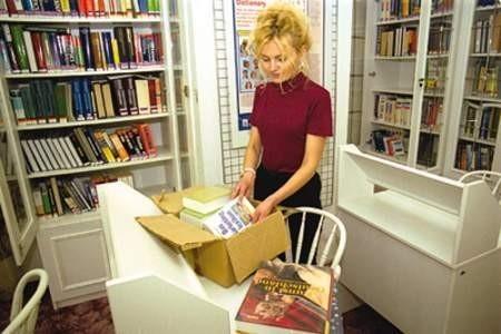 Kolejne zakupy nowych książek cieszą wszystkich czytelników biblioteki.