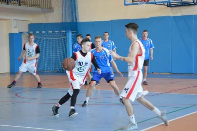 Koszykarze Mechanika awansowali do finału mistrzostw województwa