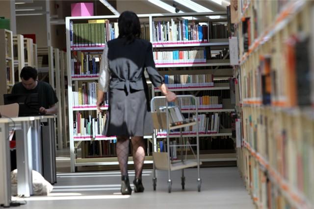 Wojewódzka Biblioteka Publiczna w Krakowie wpuści użytkowników do czytelni w połowie października. Obecnie przygotowuje sale do otwarcia w nowym reżimie sanitarnym.