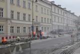Remont ulicy Śródmiejskiej w Kaliszu. Czy kamienice zostaną oczyszczone z pyłu po zakończeniu prac? ZDJĘCIA
