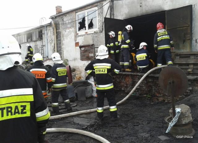 Pożar hali produkcyjnej w Żarnowcu.