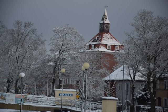 SP1 Szczecinek w zimowej scenerii
