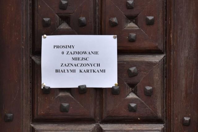 Drzwi kościoła św. Krzyża w Rzeszowie
