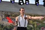 """Zbąszyń: Charytatywny Festyn """"Razem dla Mai"""" - Krzysztof Kostera, aktor sztuki cyrkowej - 11.06.2021 [Zdjęcia]"""