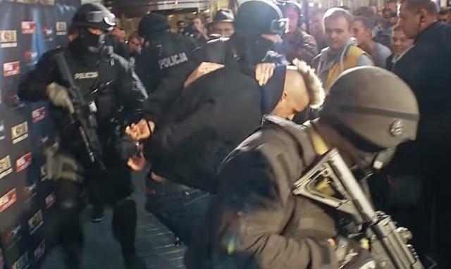 Aresztowanie Popka w Złotych Tarasach wyjaśnione. Wiemy co się naprawdę stało