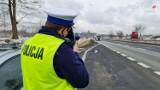 """Policja prowadzi akcję """"Bezpieczny pieszy"""" na drogach powiatu myszkowskiego ZDJĘCIA"""
