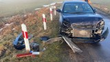 Wypadek. Na przejeździe kolejowym w Wudzynie pod Bydgoszczą auto uderzyło w bok pociągu [zdjęcia]