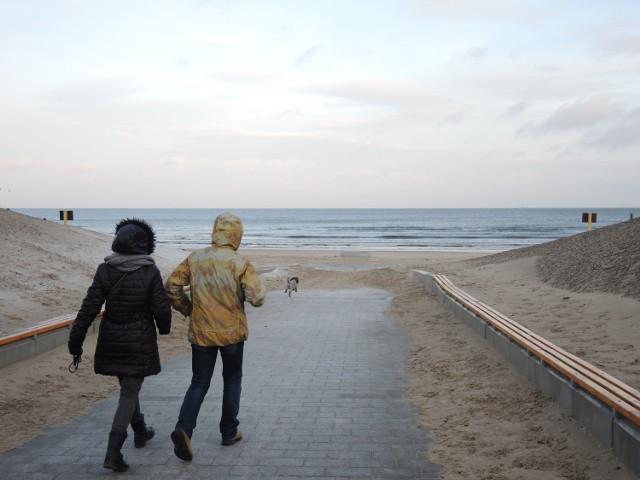 Plaża w Świnoujściu nawet jesienią jest atrakcyjna. Weekend zachęcał do spacerowania. Poranny sztormik i popołudniowe słońce wyglądały rewelacyjnie!