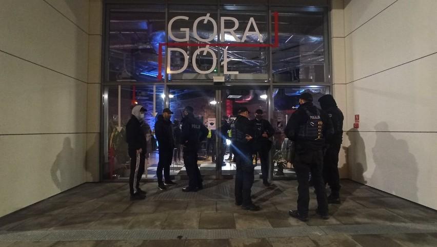Kalisz: Akcja policji i sanepidu w restauracji Góra i Dół