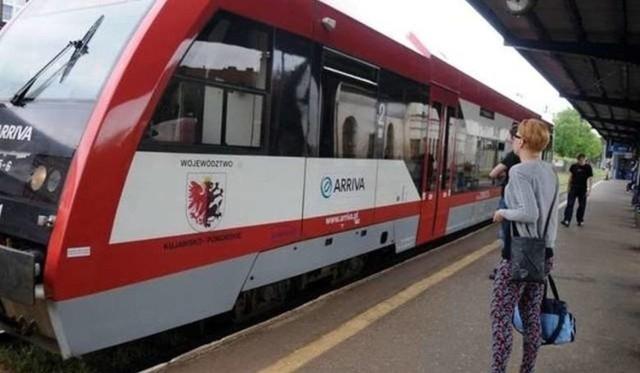 Zamiast pociągów Arrivy na trasie jeżdżą teraz autobusy PKS Bydgoszcz. Tak będzie do 18 stycznia