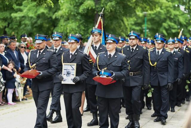 Pogrzeb st. ogn. Pawła Czerniaka, strażaka z Komendy Powiatowej PSP w Żarach, który zginął w tragicznym wypadku